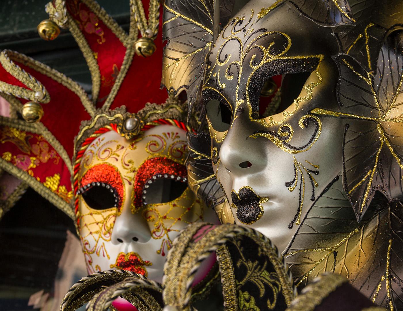 karneval in venedig zwei karneval maske wagrati. Black Bedroom Furniture Sets. Home Design Ideas